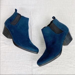 Old Navy Blue Suede Ankle Boots NWOB 8